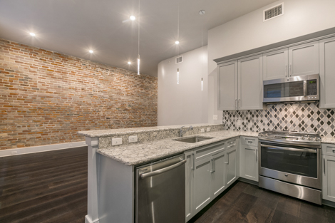 Refinery 701 S.Peters St Warehouse District New Orleans Apartments For Rent Unit 202