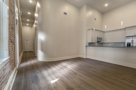 Refinery 701 S.Peters St Warehouse District New Orleans Apartments For Rent Unit 302