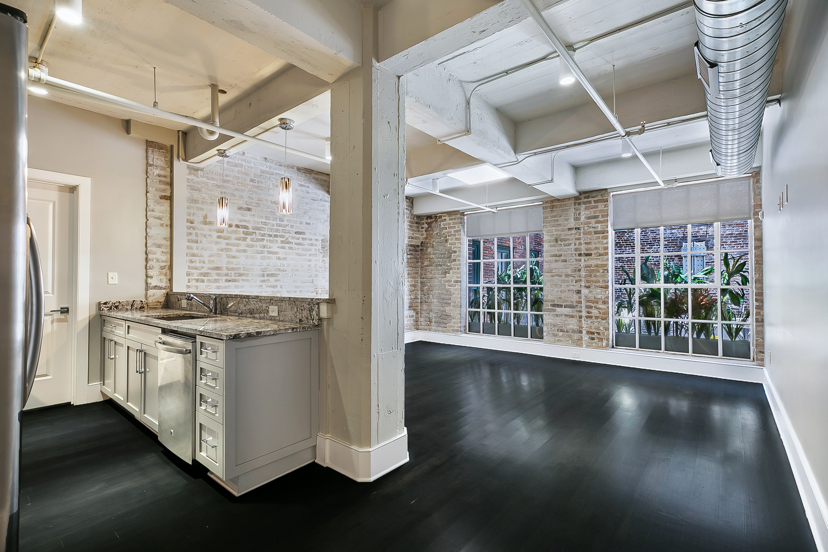 516 Bienville Crystalline Unit 309 Living